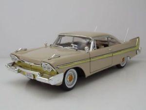 【送料無料】模型車 モデルカー スポーツカー プリマスフューリーベージュモデルカーヒートplymouth fury 1958 beige, modellauto 118 motormax