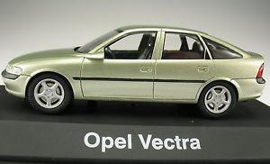 【送料無料】模型車 モデルカー スポーツカー ボクソールオペルベクトラハッチバックグリーンメタリックボックスボックス