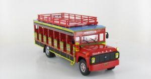【送料無料】模型車 モデルカー スポーツカー ネットワークフォードバス143 ixo ford chiva 1990 bus 43