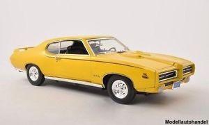 【送料無料】模型車 モデルカー スポーツカー ポンティアックイエローヒートpontiac gto judge gelb 1969 118 motormax