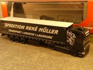 【送料無料】模型車 モデルカー スポーツカー スカニアカーテン187 herpa scania r tl gardinenplanen sz ren mller transporte 308748