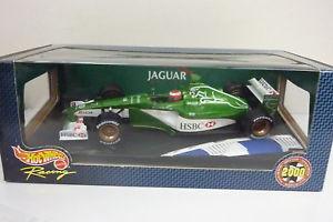 【送料無料】模型車 モデルカー スポーツカー レーシングジャガーエディーアーバインhotwheels racing 118 jaguar racing r2 eddie irvine 2000 in ovp a1296