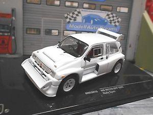 【送料無料】模型車 モデルカー スポーツカー テキサスオースティンラリーホワイトスペアホイールプレーンボディネットワークmg metro austin 6r4 grb rallye weiss white 4 ersatzrder plain body ixo 143
