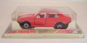 【送料無料】模型車 モデルカー スポーツカー アルファロメオリムジン#majorette 155 nr 271 alfa romeo 75 limousine rot ovp 624