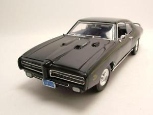 【送料無料】模型車 モデルカー スポーツカー ポンティアックブラックモデルカーヒートpontiac gto judge 1969 schwarz, modellauto 118 motormax