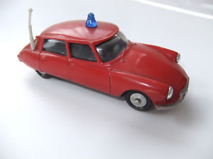 【送料無料】模型車 モデルカー スポーツカー #citron ds 19 feuerwehr metosul 143  1348