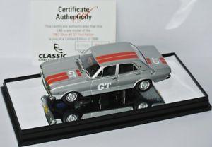 【送料無料】模型車 モデルカー スポーツカー クラシックカールフォードファルコングアテマラシルバーイムclassic carlectables 1967 ford falcon xr gt silver 143 limed