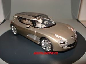 【送料無料】模型車 モデルカー スポーツカー スパークルノーコンセプトカーサロンドジュネーブspark cret renault concept car altica salon de geneve 2006 au 143