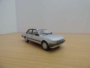 【送料無料】模型車 モデルカー スポーツカー プジョーpeugeot 505 gti gris mtallis 143