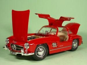 【送料無料】模型車 モデルカー スポーツカー メルセデスレッドモデルカーmercedes w198 300 sl rot modellauto bburago 118