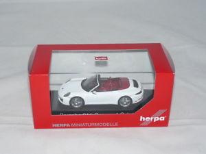 【送料無料】模型車 モデルカー スポーツカー ポルシェカレラカブリオレカララホワイトメタリックherpa 071116 porsche 911 carrera 4 cabriolet carrarawei metallic 143 neu
