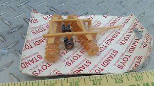 【送料無料】模型車 モデルカー スポーツカー ファームロングフレームセットディスクツール164 ertl farm toy standi toys yellow y long frame set disk disc tillage tool