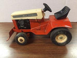 【送料無料】模型車 モデルカー スポーツカー ビンテージガーデントタースノーブレードvintage ertl allis chalmers 312h garden tractor with snow blade 116