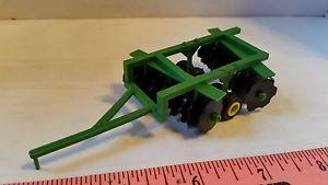 【送料無料】模型車 モデルカー スポーツカー ファームフレームセットディスクツール164 ertl farm toy standi toys green short frame set disk disc tillage tool