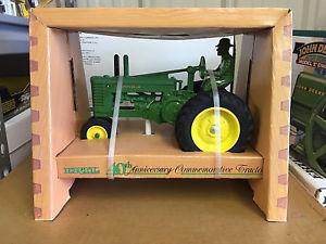 【送料無料】模型車 モデルカー スポーツカー ビンテージジョンディアトターvintage ertl 1986 john deere 40th anniversary commemorative tractor 116 nib