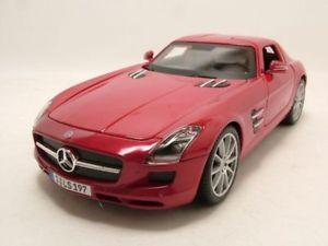 【送料無料】模型車 モデルカー スポーツカー メルセデスメタリックモデルカーmercedes sls amg c197 rot metallic, modellauto 118 maisto