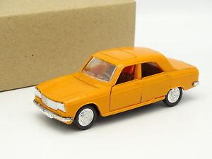 【送料無料】模型車 モデルカー スポーツカー プジョーオレンジnorev sb 143 peugeot 304 orange