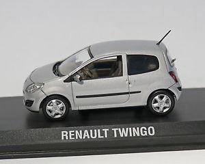 【送料無料】模型車 モデルカー スポーツカー ルノートゥインゴシルバーメタリックrenault twingo 2007, silbermetallic, norev, 143