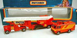【送料無料】模型車 モデルカー スポーツカー マッチチームボックスセットmatchbox convoy cy team convoy tc1 feuerwehr set in box