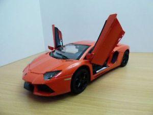 【送料無料】模型車 モデルカー スポーツカー ランボルギーニオレンジlamborghini aventador lp7004 orange 118 mz