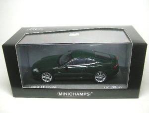 【送料無料】模型車 モデルカー スポーツカー ジャガークーペjaguar xk coupe green 2005