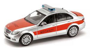 【送料無料】模型車 モデルカー スポーツカー ベンツクラスモデルmercedesbenz c class notarzt 143 model 4923 schuco