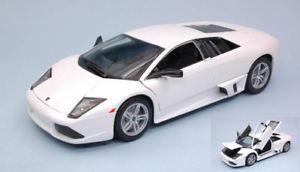 【送料無料】模型車 モデルカー スポーツカー ランボルギーニホワイトモデルlamborghini murcielago lp640 2007 white 118 model 31148w maisto