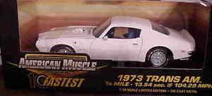 【送料無料】模型車 モデルカー スポーツカー ポンティアックトランスホワイトアメリカ1973 pontiac trans am white 118 ertl american muscle 32755