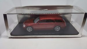 【送料無料】模型車 モデルカー スポーツカー スパークミニマックスハンドメイドモデルカーマグナム 143 spark minimax resin handmade model car nib 2005 dodge magnum rt hemi