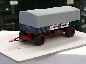 【送料無料】模型車 モデルカー スポーツカー パレードトラックremorque schmitz 2 essieux parade resine rfrence 4315 lastwagen bssing