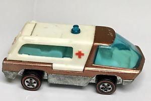【送料無料】模型車 モデルカー スポーツカー ホットホイールホワイトインテリアhot wheels redline 1969 heavyweights ambulance copper w white interior