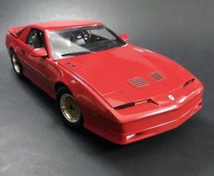【送料無料】模型車 モデルカー スポーツカー ポンティアックカスタムグリーンライト1987 pontiac firebird gta red 118 custom greenlight