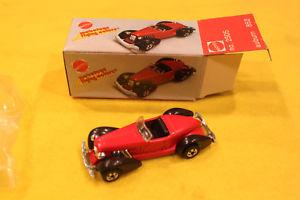 【送料無料】模型車 モデルカー スポーツカー ホットホイールビンテージvintage mebetoys flying colors auburn hot wheels mattel mib