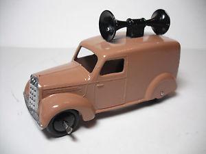 【送料無料】模型車 モデルカー スポーツカー ビンテージ#ラウドスピーカーヴァンミントvintage meccano ltd dinky toys 34c loudspeaker van , restored to near mint