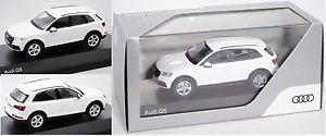 【送料無料】模型車 モデルカー スポーツカー アウディアイビスホワイトボックスオンiscale 5011605631 5011605631 スポーツカー audi q5, ibiswei, 143, 143, werbeschachtel, クシマシ:2b5c3303 --- sunward.msk.ru