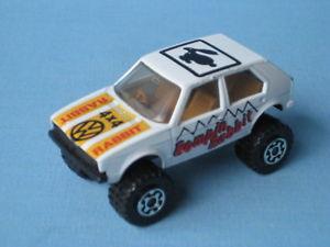 【送料無料】模型車 モデルカー スポーツカー マッチウサギブラウンモデルカーシートlesney matchbox vw volkswagon romping rabbit brown seats toy model car 70mm