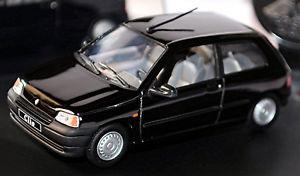 【送料無料】模型車 モデルカー スポーツカー ルノークリオタイプドアハッチバックブラックイーグル