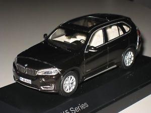 【送料無料】模型車 モデルカー スポーツカー ×スパークリングブラウンbmw x5 f15 sparkling braun 143 bmw 80422318969 neu amp; ovp