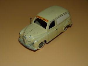 【送料無料】模型車 モデルカー スポーツカー ルノーrenault colorale ambulance cij ancien peu courante