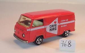 【送料無料】模型車 モデルカー スポーツカー フォルクスワーゲンフォルクスワーゲンボックスレッドカフェ#majorette 160 nr 244 vw volkswagen t2 fourgon kasten rot cafe hag nr 3 768
