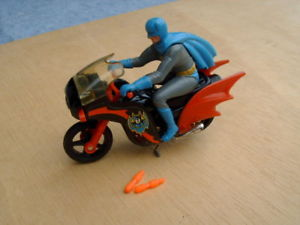 【送料無料】模型車 モデルカー スポーツカー コーギーバットマンオートバイcorgi toys batman motorrad batbike 1978