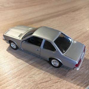 【送料無料】模型車 モデルカー スポーツカー bmw 635 csi 143 schuco