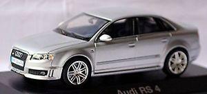 【送料無料】模型車 モデルカー スポーツカー アウディセダンシルバーシルバーメタリックaudi rs 4 b7 limousine 200509 silber silver metallic 143