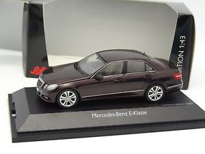 【送料無料】模型車 モデルカー スポーツカー メルセデスクラッセマロンschuco 143 mercedes classe e marron mtal w212