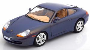 【送料無料】模型車 モデルカー スポーツカー ポルシェキャーペフラッシュ118 bburago porsche 911 996 coupe 1997 kyalami flash