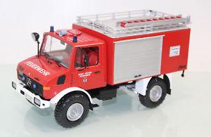 【送料無料】模型車 モデルカー スポーツカー モデルrevell 124 7451 fertigmodell unimog u 1300 l tfl 818 feuerwehr hxter js1642