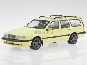 【送料無料】模型車 モデルカー スポーツカー ボルボコンビイエローモデルカーvolvo 850 t5r kombi 1995 gelb modellauto p10006 t9 143
