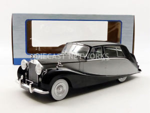 【送料無料】模型車 モデルカー スポーツカー ロールスロイスシルバーmcg 118 rollsroyce silver wraith empress by hooper 1956 18065bks