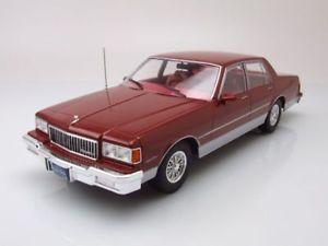 【送料無料】模型車 モデルカー スポーツカー シボレーカプリスレッドメタリックモデルカーchevrolet ca 1985 rot metallic, modellauto 118 mcg