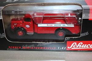 【送料無料】模型車 モデルカー スポーツカー メルセデスエッソフューエルトラックショーケースschuco 2418 mercedes l 6600 esso tanklaster 143 vitrine ovp